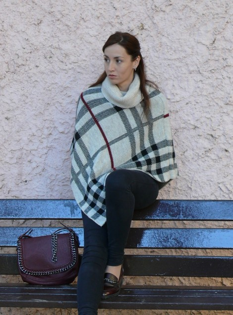 look poncho 1