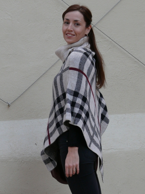 look poncho 7