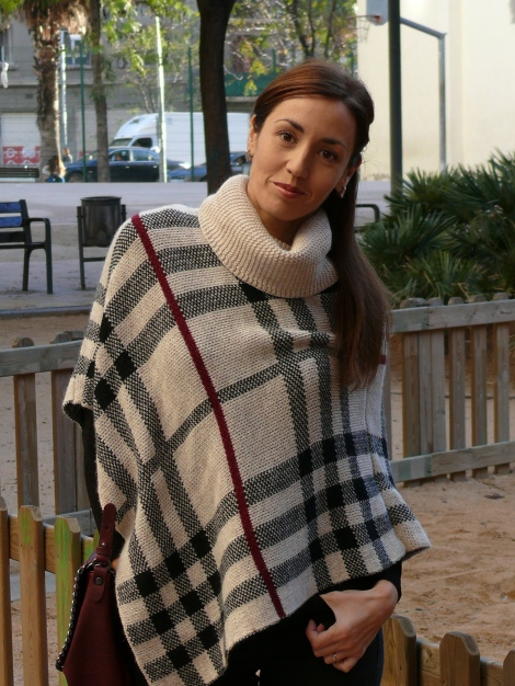 look poncho 8
